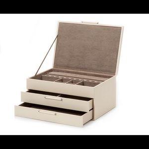 Jewelry - Wolf Sophia Jewelry Box Brand New